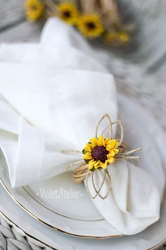 Napkin ring sunflower napkin ring rustic napkin ring set the wedding table table decoration sunflower place setting Wedding Table Themes, Wedding Reception Tables, Wedding Napkins, Reception Ideas, Wedding Ideas, Rustic Wedding, Trendy Wedding, Summer Wedding, Decor Wedding