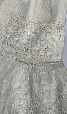 Ukrainian old embroidery women's shirt. Сткаровинна українська вишита сорочка. Вишиванка. Украинская вышивка.