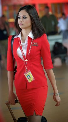Air Asia Cabin Crew at The AirPort. Asian Woman, Asian Girl, Asian Ladies, Flight Attendant Hot, Tight Pencil Skirt, Tight Skirts, Flight Girls, Airline Cabin Crew, Airline Uniforms