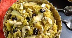 How to make Sindhi Tahiri, Sindhi Authentic Recipe - Taahiri, Jaggery Rice, gur ke chawal,  gur ji taaheri, Meethe gur walay chawal,... Easy Sesame Chicken, Macaroni And Cheese, Rice, Ethnic Recipes, Desserts, Food, Tailgate Desserts, Mac And Cheese, Deserts