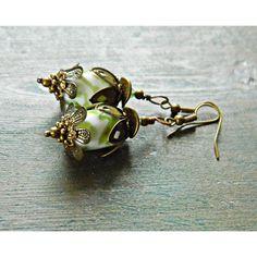Green White Lampwork Flower Earrings, Brass and Glass Flower earrings,... (755 MXN) ❤ liked on Polyvore featuring jewelry, earrings, bohemian earrings, green dangle earrings, earring jewelry, boho earrings and flower jewellery