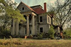 Elmodel GA Baker County Abandoned Mansion Falling Corinthian Columns Greek Revival Architecture Landmark McRainey Pictures Photo Copyright Brian Brown Vanishing South Georgia USA