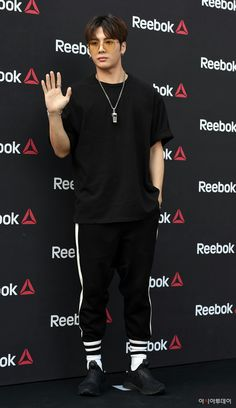 He's so handsome Jackson Wang, Mark Jackson, Got7 Jackson, Yugyeom, Youngjae, Girls Girls Girls, Jinyoung, Cute Asian Guys, Golden Child