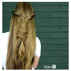 Babin #fishtailbraid. Simple yet effective.  #hair #hairbymel #braiding #longhair #braid #beautifulhair #blonde #nz #nzhair #akl