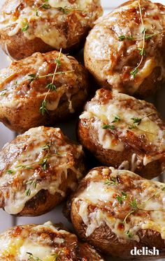 French Onion Baked Potatoes - Special Cake and Cooking Baked Potato Recipes, Onion Recipes, Vegetable Recipes, Vegetarian Recipes, Recipes For Potatoes, Baked Potato Fillings, Oven Baked Potato, Gold Potato Recipes, Potato Meals
