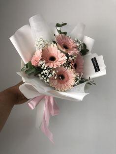 Boquette Flowers, Beautiful Bouquet Of Flowers, Luxury Flowers, Beautiful Flower Arrangements, Dried Flowers, Paper Flowers, Floral Arrangements, Beautiful Flowers, Flower Box Gift