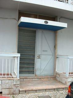Gomes da Costa, architect Algarve, Portugal, Portuguese, Modern Architecture, Costa, Garage Doors, Outdoor Decor, Home Decor, Modernism