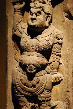 Mountain armor on statue, Lokapala, Tang dynasty