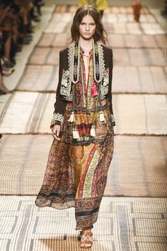 Etro - Spring 2017 Ready-to-Wear                                                                                                                                                                                 More