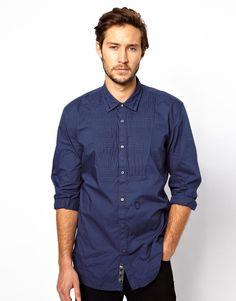 Hemd von Diesel aus 100% Baumwolle Hemdkragen und Knopfleiste Faltenlatz abgerundeter Saum normale Passform