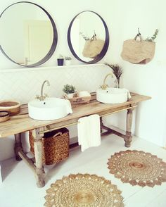 11 a wooden console, baskets, jute rugs and round mirrors to create a rustic boho feel in the bathroom - DigsDigs Boho Bathroom, Diy Bathroom Decor, Bathroom Styling, White Bathroom, Modern Bathroom, Small Bathroom, Master Bathroom, Decorating Bathrooms, Vanity Bathroom