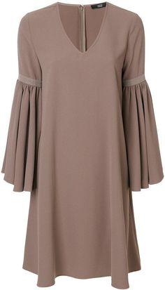 Pakistani Fashion Casual, Abaya Fashion, Muslim Fashion, Skirt Fashion, Short African Dresses, African Fashion Dresses, Chic Outfits, Fashion Outfits, Sleeves Designs For Dresses
