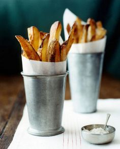 skin-on fries in the cutest serving cups