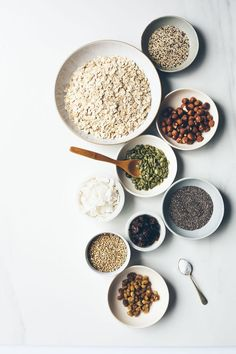 How to Make Granola with Whatever is in Your Pantry - fitnessfood Food Photography Styling, Food Styling, Make Your Own Granola, Making Granola, Gula, Grain Free Granola, Wie Macht Man, Food Design, Organic Recipes