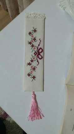 This Pin was discovered by Ayş Cross Stitch Books, Just Cross Stitch, Cross Stitch Bookmarks, Cross Stitching, Cross Stitch Embroidery, Hand Embroidery, Cross Stitch Designs, Cross Stitch Patterns, Lace Beadwork