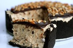 Peanut Butter Mousse Oreo Pie http://www.annies-eats.com/2009/04/10/chocolate-peanut-butter-torte/