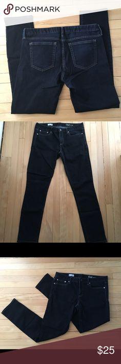 "GAP Always Skinny Jeans GAP Always Skinny Jeans - women's size 30r.  Has a 29"" inseam. Beautiful dark blue. Like new. GAP Jeans Skinny"
