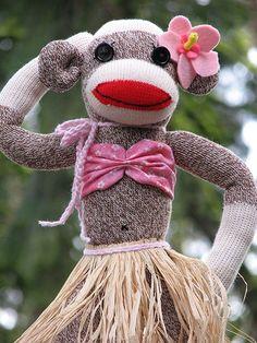 Sock monkey gone Hawaiian! Sock Monkey Cupcakes, Sock Monkey Pattern, Sock Monster, Monkey Doll, Softie Pattern, Sock Puppets, Sock Toys, Sock Animals, Clay Animals