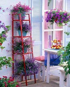 estantería de IKEA perfecta para colocar flores