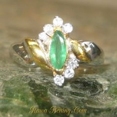 Maruquise Emerald Silver Ring 6.5US