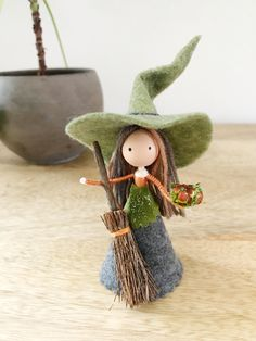 Fairy Crafts, Fun Crafts, Michaels Craft, Tiny Dolls, Flower Fairies, Homemade Crafts, Nature Crafts, Halloween Diy, Special Gifts