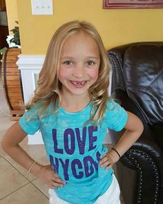 Her two front teeth are gone! Dance Moms Minis, Dance Moms Dancers, Dance Moms Season 8, Lilliana Ketchman, Brynn Rumfallo, Gymnastics Videos, Dance Pictures, Future Baby, Role Models
