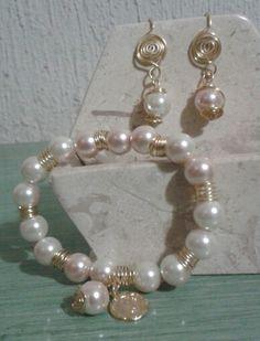 Pulsera y aretes de perla-cristal originalmente engarzados