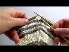 """Really Clear: Creating a """"Jogless Jog"""" when Knitting Stripes in the Round (cc)"""