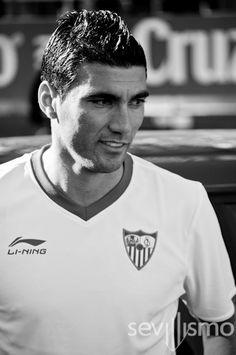 José Antonio Reyes en blanco y negro
