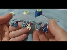 Beginner Crochet Projects, Crochet For Beginners, Filet Crochet, Easy Crochet, Saree Kuchu Designs, Flower Tower, Crochet Vest Pattern, Creative Embroidery, Crochet Clothes