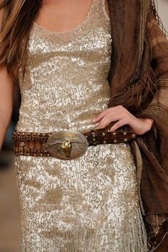 Buckle Up - Western Fashion influence Ralph Lauren Spring 2011 Cowgirl Chic, Western Chic, Cowgirl Style, Western Wear, Fashion Details, Look Fashion, Womens Fashion, Looks Style, Style Me