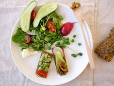 Nut and Zucchini Crackers / Cauliflower Green Pea Spread