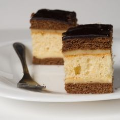 Cocoa and honey cake with delicious filling