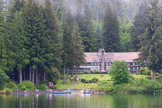Deep in the rain forest, the grand dame of Olympics lodging welcomes guests with genteel amenities.