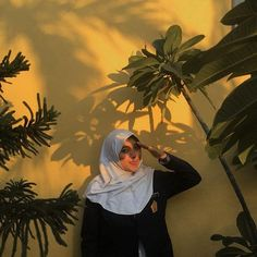 Casual Hijab Outfit, Ootd Hijab, Girl Hijab, Life Is Like, Hijab Fashion, Ulzzang, Poses, Mood, Selfie