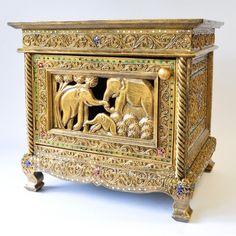Kommode Beistelltisch geschmückt gold 52x40x49 cm