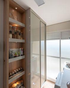 Interior Design Kitchen, Kitchen Decor, Kitchen Organization Pantry, Studio Kitchen, Arch Interior, Minimalist Interior, Apartment Kitchen, Decoration, Living Spaces