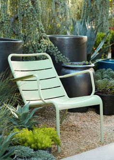 The Luxembourg Lounge. Flora grubb always has such a great eye for color combos Fermob Outdoor Seating, Outdoor Rooms, Outdoor Gardens, Outdoor Chairs, Outdoor Living, Outdoor Decor, Garden Chairs, Garden Furniture, Outdoor Furniture