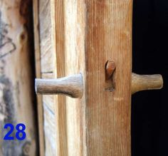 old woodworking without nails and glue, very interesting maybe for furniture? Picture of Making Wooden Latches Wooden Hinges, Wooden Door Hangers, Wooden Doors, Woodworking Joints, Learn Woodworking, Woodworking Plans, Woodworking Projects, Shed Doors, Woodworking