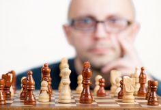 W niedzielę 15 sierpnia 2021 r. na świetlicy Polskiego Związku Niewidomych przy Al. H. Sienkiewicza 8 w Słupsku odbył się 5 turniej IX edycji Grand Prix miasta Słupska w szachach szybkich P-15. W turnieju wzięło udział 18 zawodników. Zwycięzcą został Damian Wenelski (Malechowo) z dorobkiem 7,5 pkt., drugi był Dawid Jaroszewicz (Słupsk) który zgromadził 7 […] Źródło How To Play Chess, Woman Meme, Gaming, Medical Coding, Sales Strategy, Marketing Strategies, Mentally Strong, Formative Assessment, Direct Sales