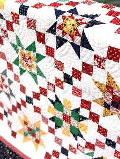 Sew Block Quilt Baptist Fan Quilting by Sew Shabby Quilting. Quilt by Amy Smart. - Free Sampler quilt tutorial from Amy Smart - Diary of a Quilter - featuring the the Meet the Maker quilt block patterns from Riley Blake Designs. Christmas Quilt Patterns, Easy Quilt Patterns, Christmas Quilting, Patchwork Patterns, Star Patterns, Stitch Patterns, Sewing Patterns, Quilting Projects, Quilting Designs
