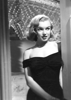 Marilyn as Angela Phinlay, a minor role in the Asphalt Jungle, 1950.....pictured on but not credited on the poster.