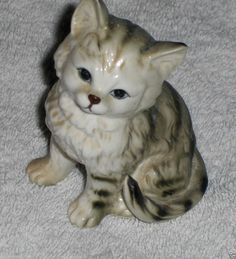 Vtg Tiger Cat Figurine Tabby Striped Porcelain Blue Eyed Smiling Kitten