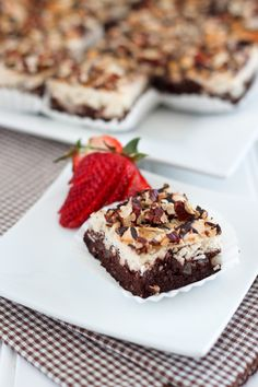 Coconut Magic Brownies are as magical as they sound. These super delicious invoke those awesome candies called Almond Joys; you get a ton of coconut in every bite. Made with coconut flour and shaved coconut, you'd think that the flavor would be overp Paleo Sweets, Paleo Dessert, Gluten Free Desserts, Dessert Bars, Dessert Recipes, Healthy Treats, Yummy Treats, Delicious Desserts, Sweet Treats