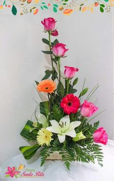 floral arrangements - floral arrangements The Effective Pictures We Offer You About garden diy A quality picture can tel - Easter Flower Arrangements, Tropical Floral Arrangements, Rose Arrangements, Beautiful Flower Arrangements, Floral Centerpieces, Beautiful Flowers, Arte Floral, Deco Floral, Altar Flowers