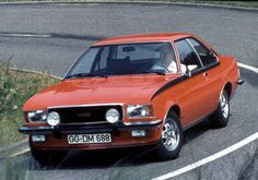 Opel Commodore GS/E Coupe (B) wallpapers Retro Cars, Vintage Cars, Antique Cars, Carros Retro, Opel Adam, Car Engine, Buick, Old Cars, Concept Cars