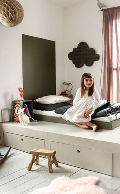 Montessori-Bett: seine Vorteile und das Erwecken der Sinne Montessori bed: its advantages and the aw Baby Room Curtains, Kids Curtains, Baby Bedroom, Girls Bedroom, Bedroom Green, Bedroom Colors, Curtains Living, Master Bedrooms, Kids Bedroom Ideas