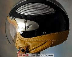 beautifully done retro helmet with an interesting mixture of modern and classic styling touches.Cromwell Spitfire motorcycle helmet