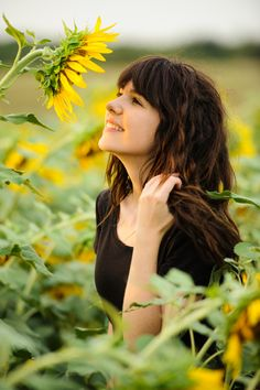 katey's senior photos with sunflowers & animals/ so adorable