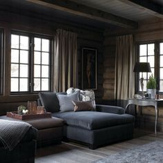 Ideas for Decorating a Family Room with Rustic Cabin Style Home And Living, House Interior, Chalet Interior, Cabin Interiors, Home, Interior, Log Homes, Cabin Living, Home Decor